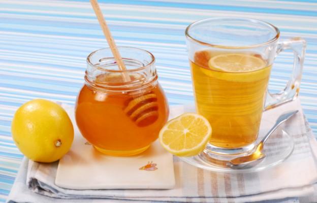Мед с лимоном и водой