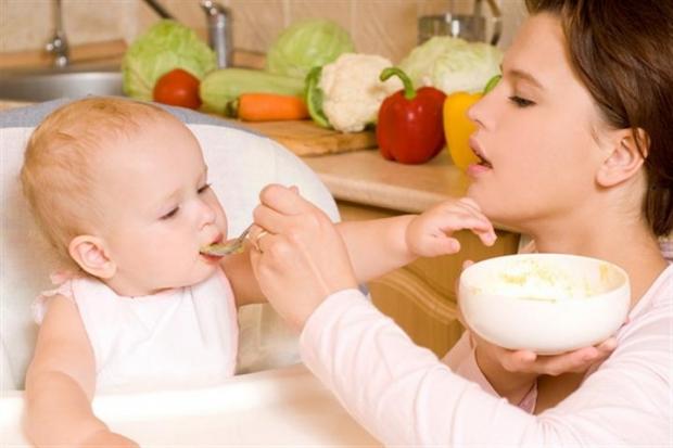 Введение яичного прикорма малышу