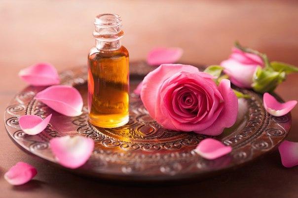 Лепестки розы для духов