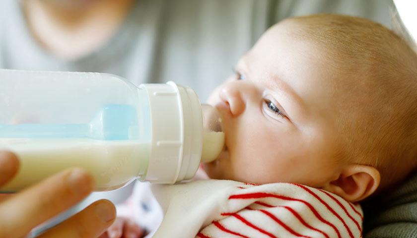 Молочная смесь для ребенка