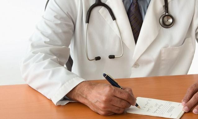 Врач определяет правила приема лекарства