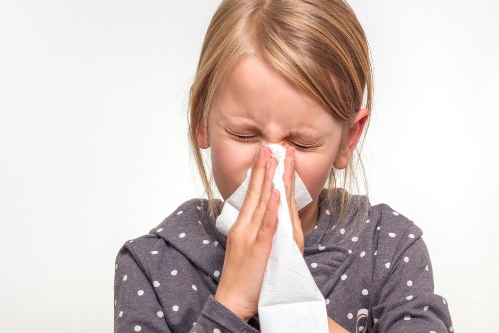 Ребенок с аллергическим насморком