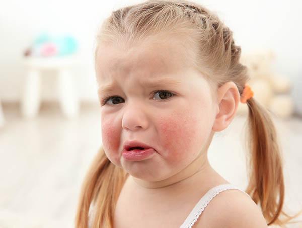 Недовольный ребенок